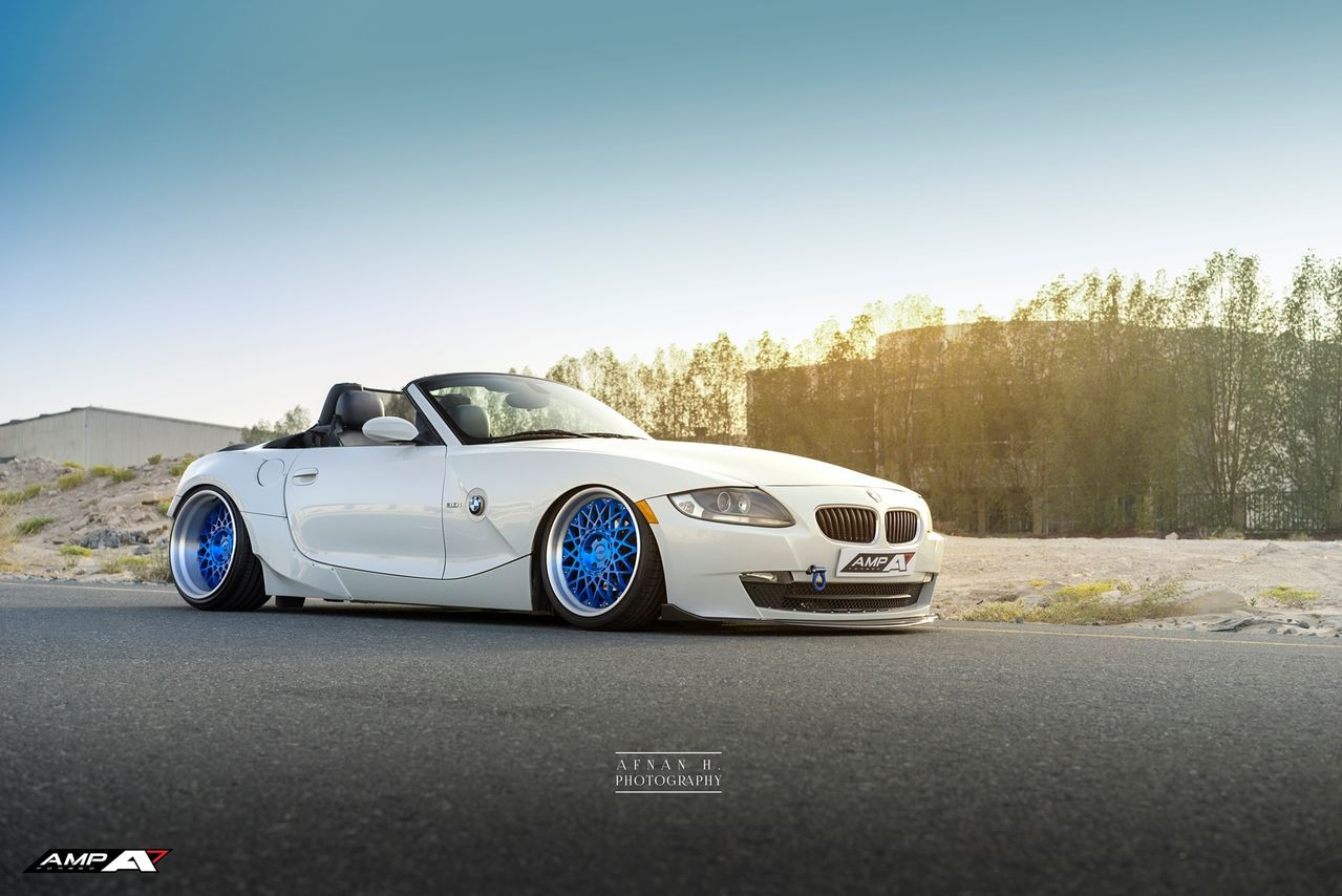 BMW Z4 Roadster on AMP-R30 Retro Series Forged wheels