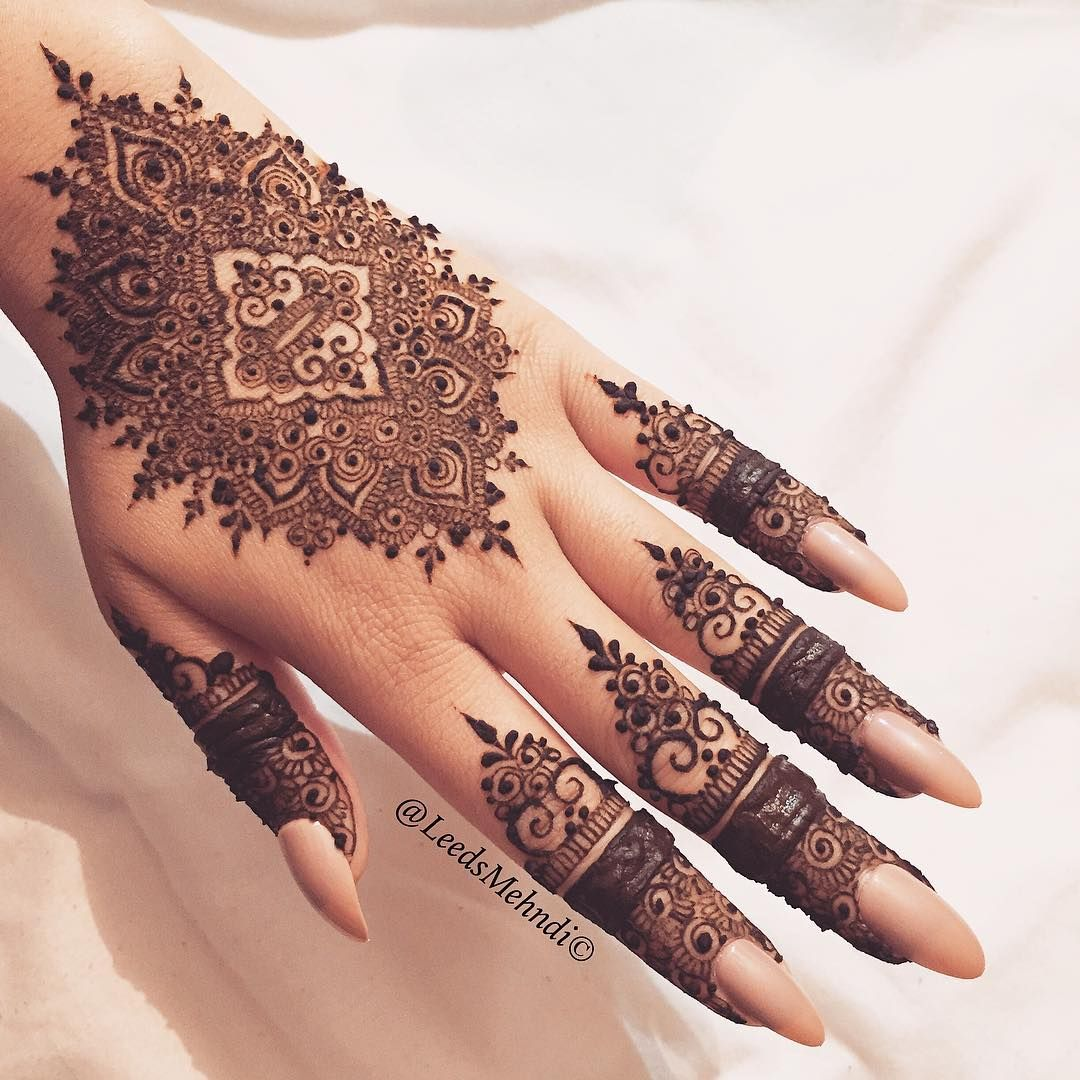 pin by tehseen on mehndi pinterest henna mehndi and henna designs. Black Bedroom Furniture Sets. Home Design Ideas