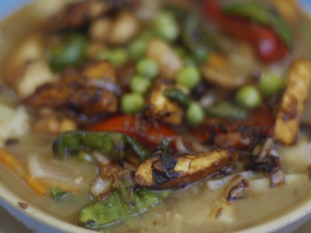 Spinach, tofu and mushroom Thukpa