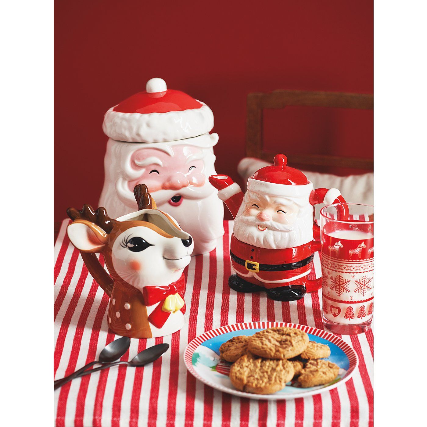 Christmas Tableware Range Read Reviews And Buy Online At George At Asda Shop From Our Latest Range In Home Gard Christmas Tableware Xmas Pictures Christmas