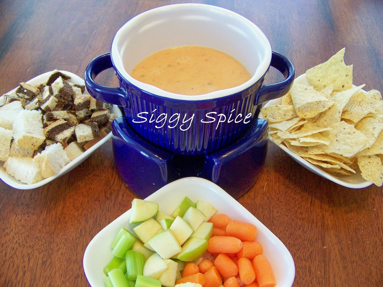 Siggy Spice: Fondue for Valentines Day! | Melting pot recipes, Fondue recipes cheese, Melting ...