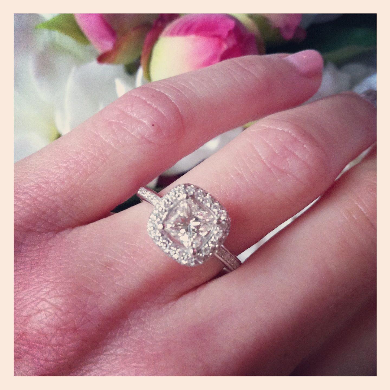 pretty engagement ring :)   Stunning engagement rings   Pinterest ...