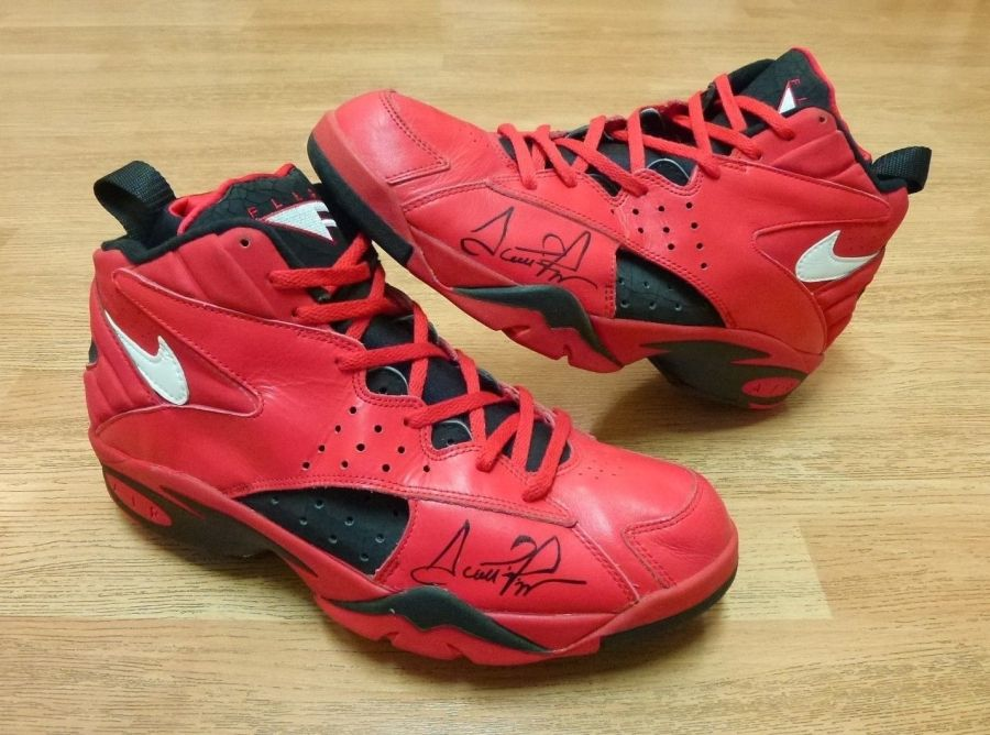best website 0f5ca 1704f Nike Air Flight Maestro 2 Scottie Pippen Autographed All Star PE