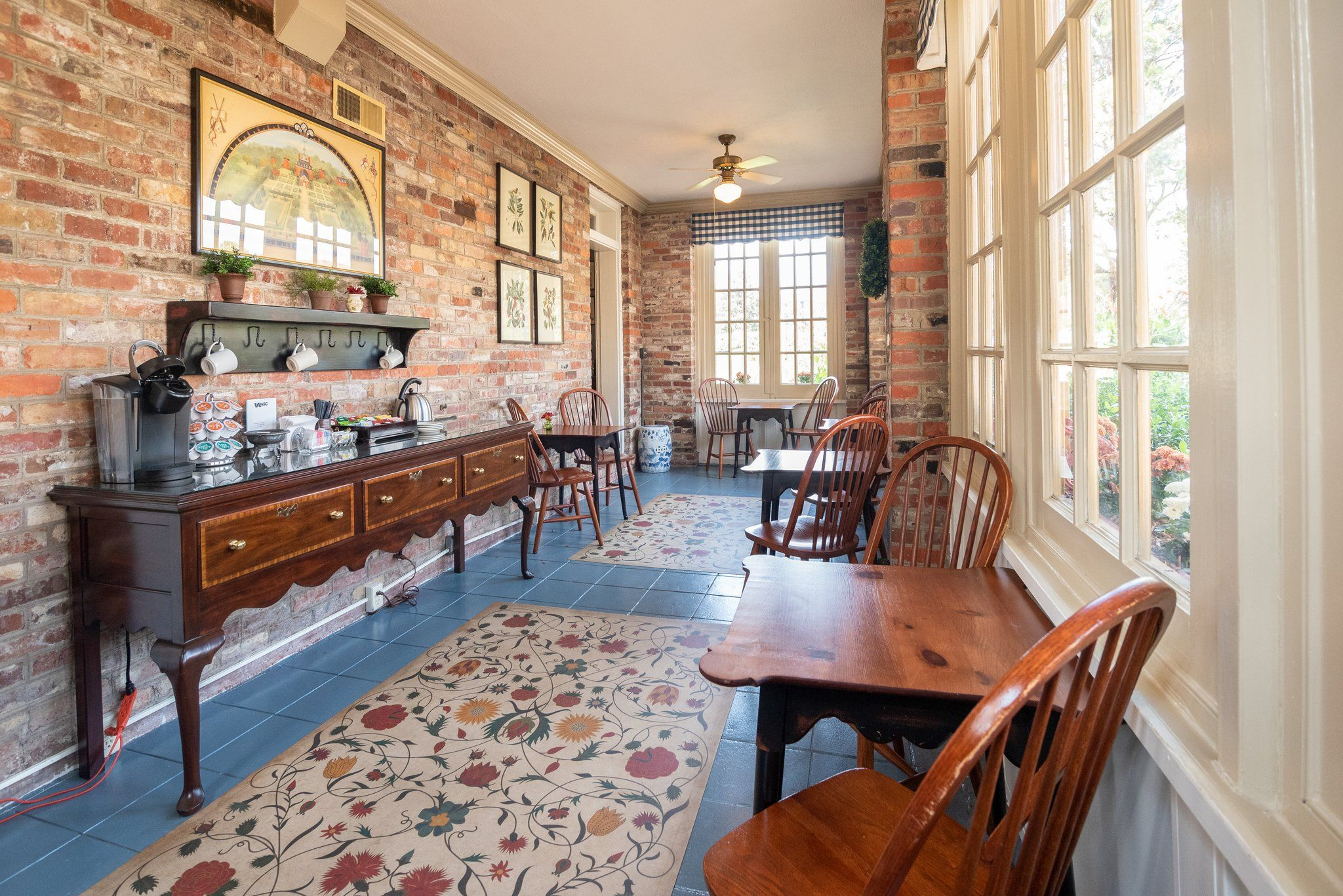 Tour the Property Williamsburg, Cedar, Bed and breakfast