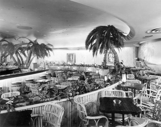 The Waldorf Hotel's street-level lounge and dining room, circa 1952. (Courtesy City of Vancouver Archives)