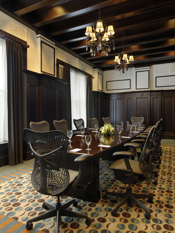 Make A Lasting First Impression At The Hilton Garden King Edward Hotel    Jackson, Mississippi