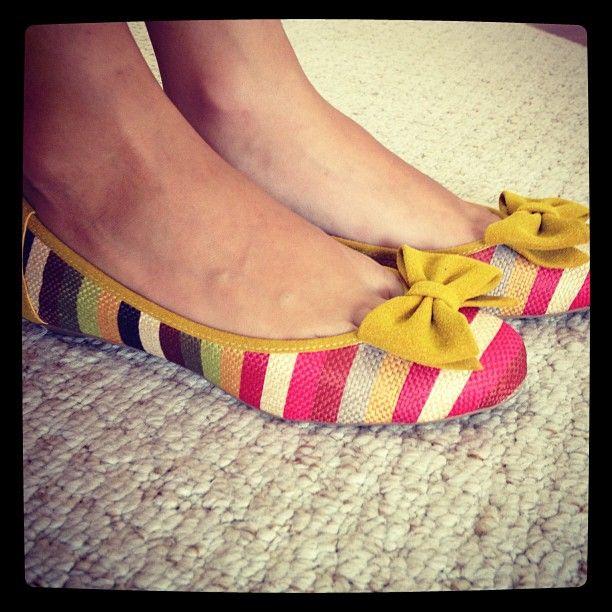 Uma ótima companhia para seus pés não acham? http://koqu.in/1045wkO #koquini #sapatilhas #euquero