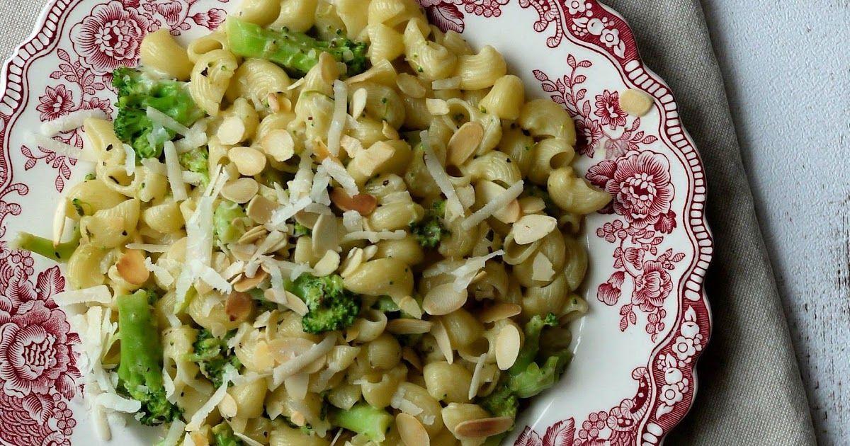 Experimente aus meiner Küche: Brokkoli-Limetten-Pasta, Pasta, Nudeln, vegetarisch, Kochen, Essen, Hauptgericht, Nudeln mit Brokkoli, Crème fraîche-Soße, Brokkoli,