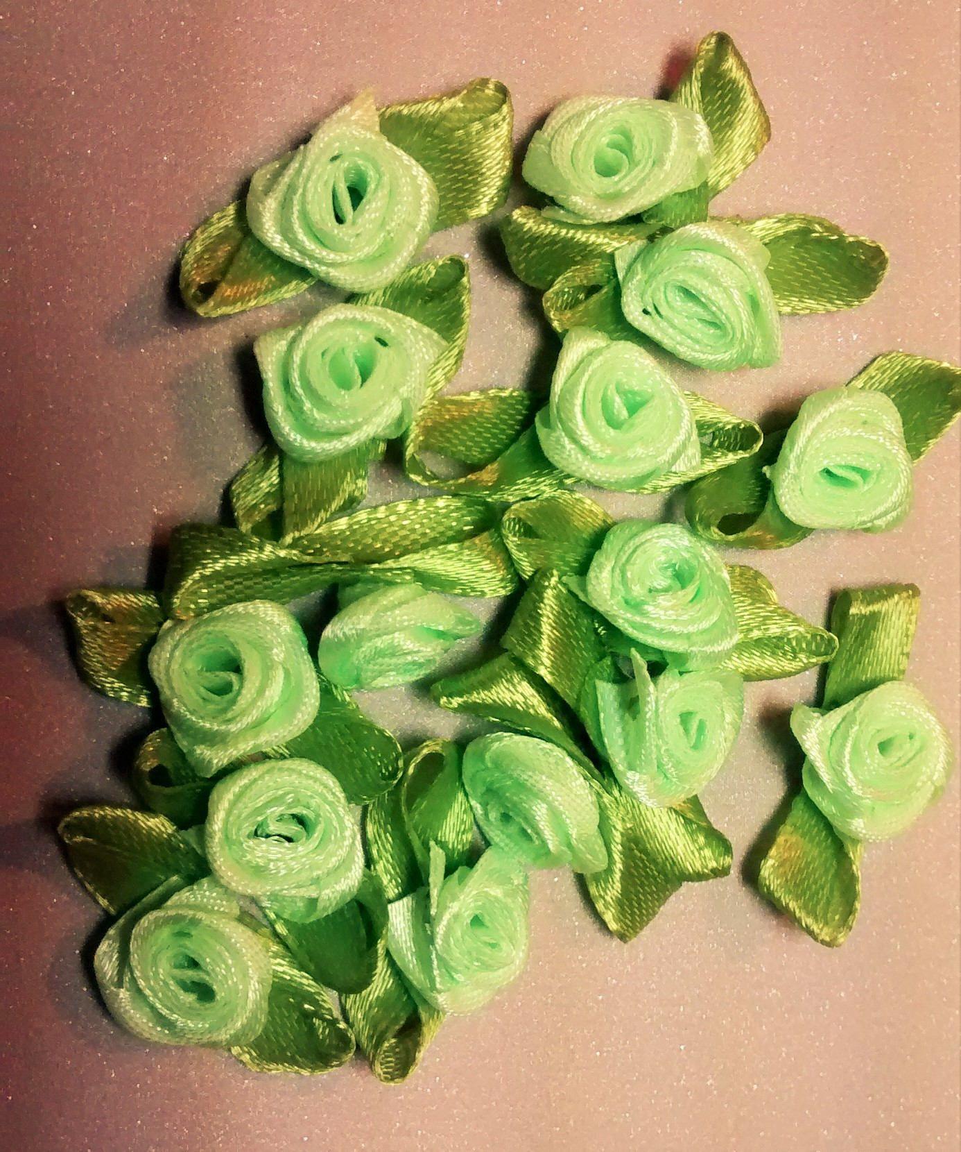 RR-106 $1.25 Light Green Ribbon Roses