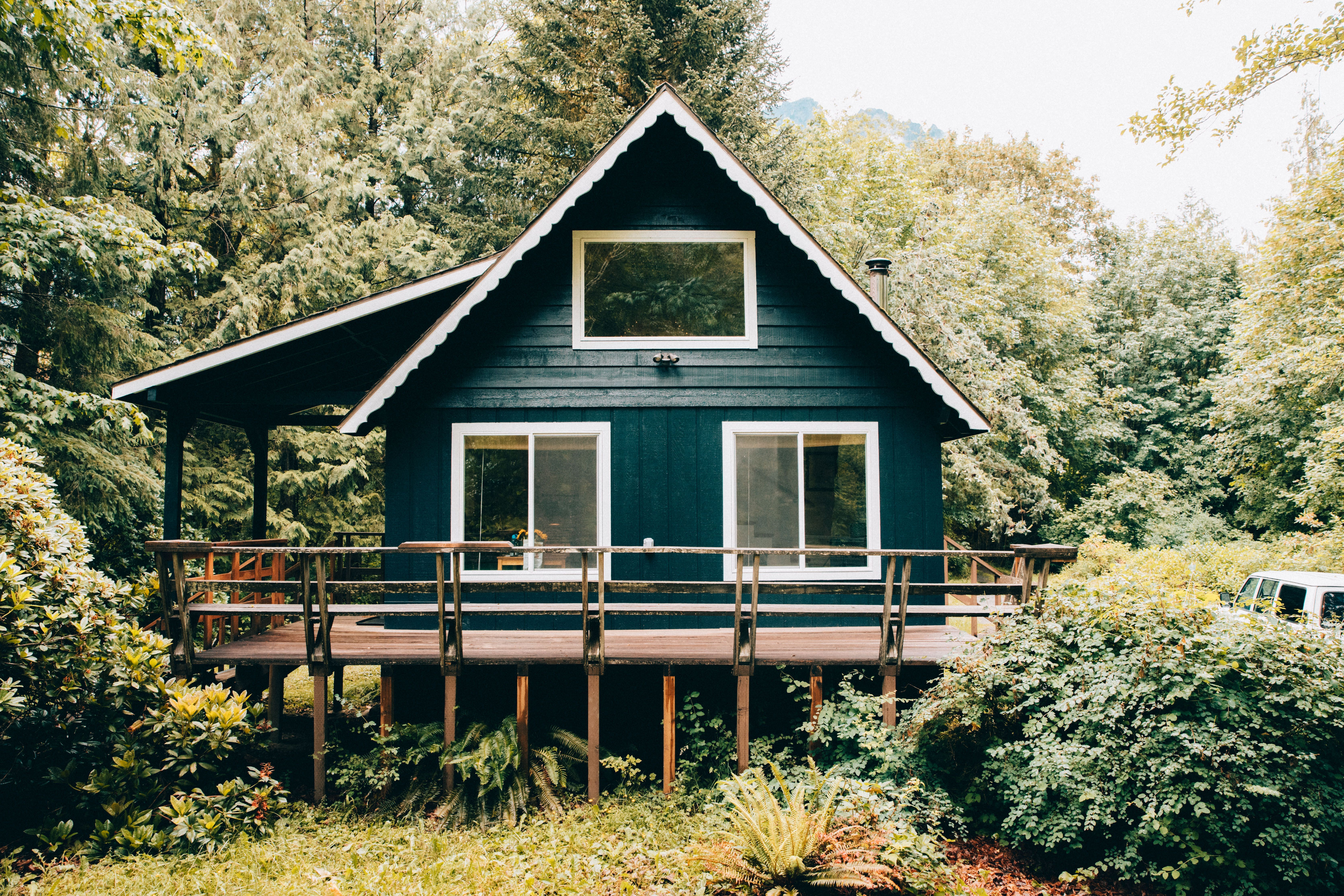 South Fork Cabin: A Unique PNW Getaway In The Cascade Mountains