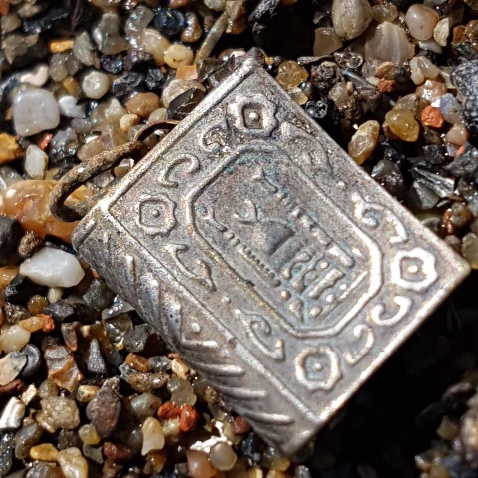 What you can find Mudlarking on the Thames Foreshore in