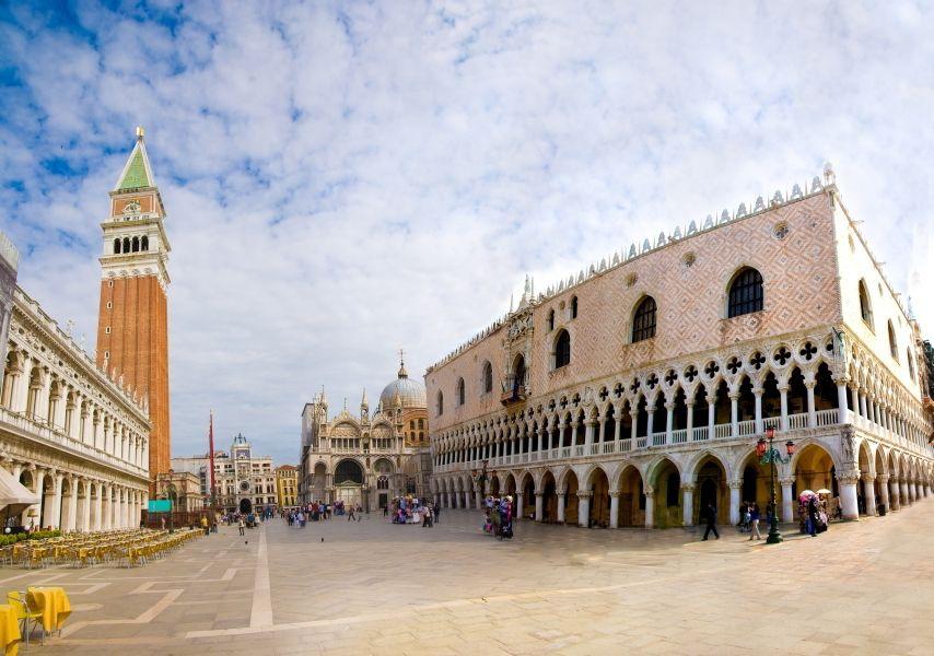 La Plaza San Marcos es la única plaza de #Venecia, puesto que las ...