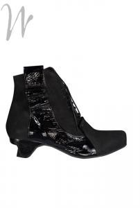 Lisa Tucci Ankle Boot Y.S. #Laurent #Black matt napped #leather ankle #boot with a wave of patent leather on the side. Zip to inside. Removable leather insoles. Beautiful eye catching boot and so very comfortable. Heel height 1.5 inches /4cms. Spare heel tips. Laces to front but side zip to enable easy wear.