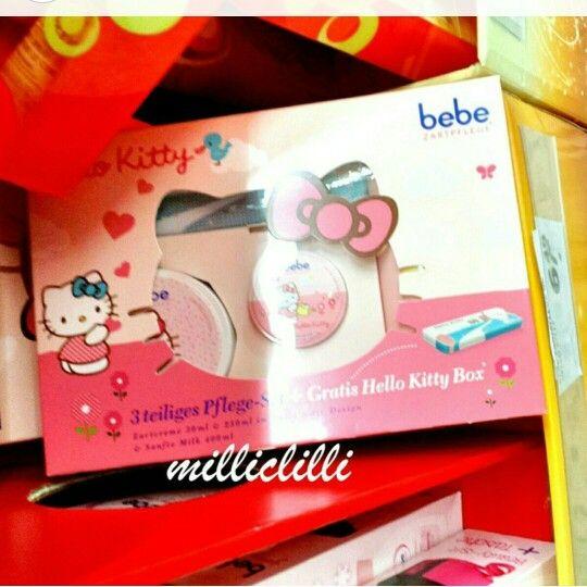 Bebé Hello Kitty