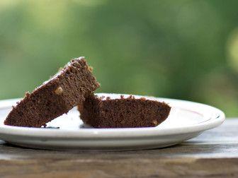 almond cocoa cake