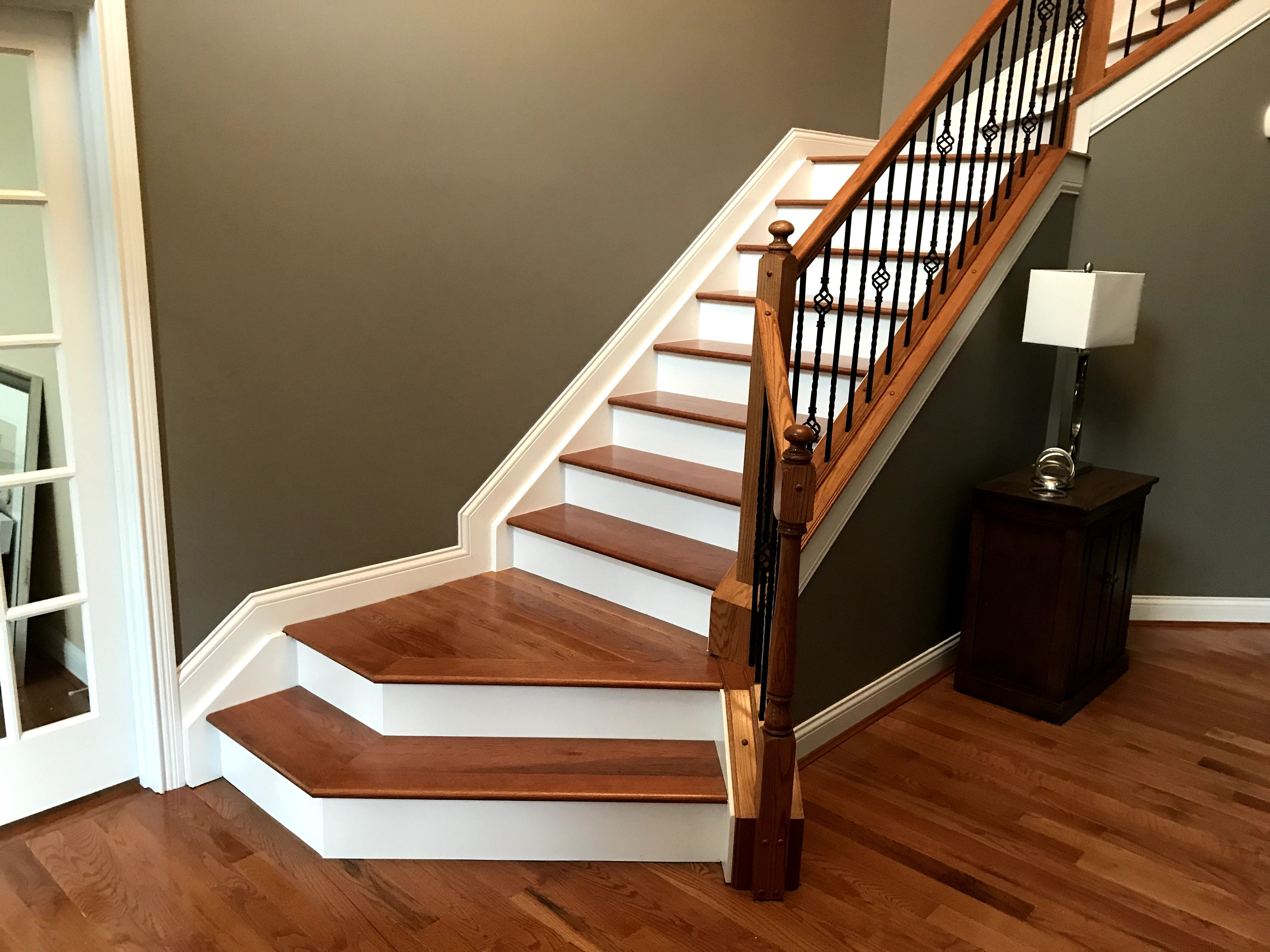 Best Prefinished Oak Stairs White Risers Staircase Design 400 x 300