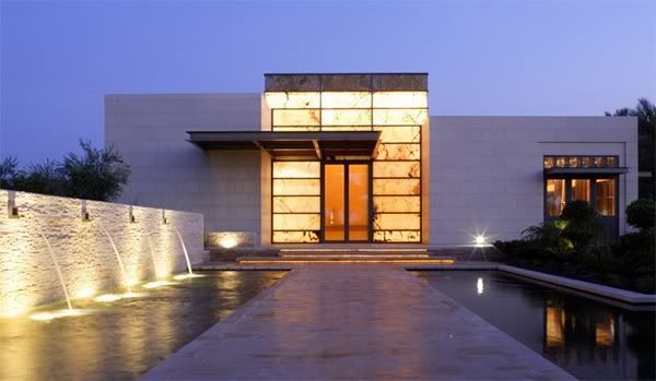 The Stardust Modern Design blog just listed this amazing contemporary home  which was built in California's