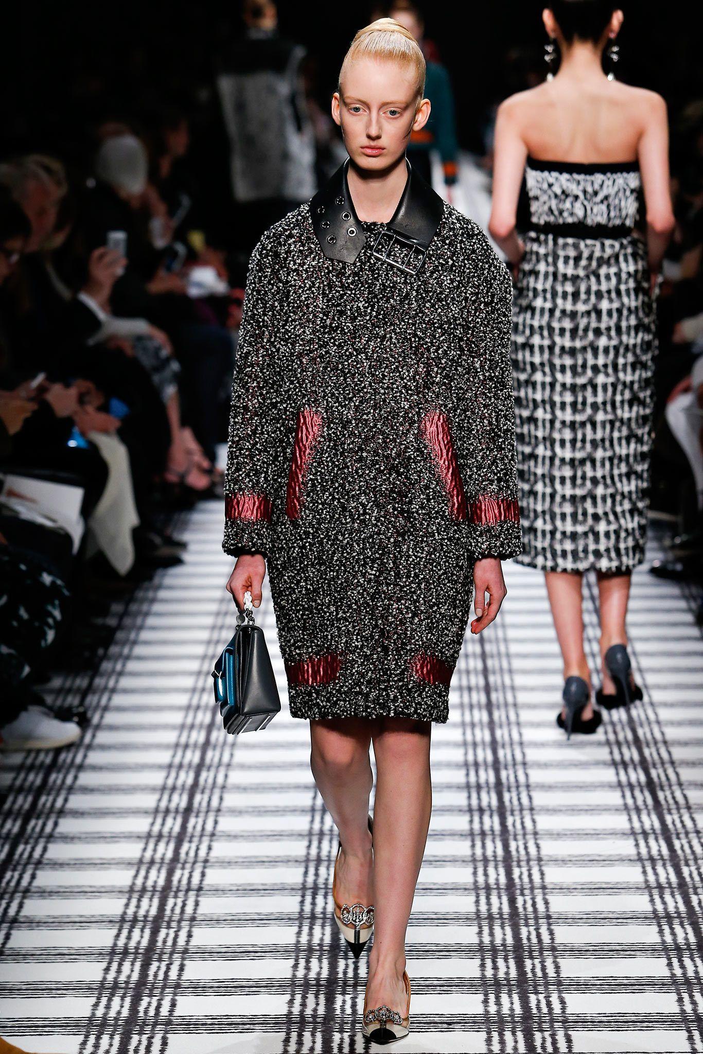 Balenciaga Fall 2015 Ready-to-Wear Collection Photos - Vogue