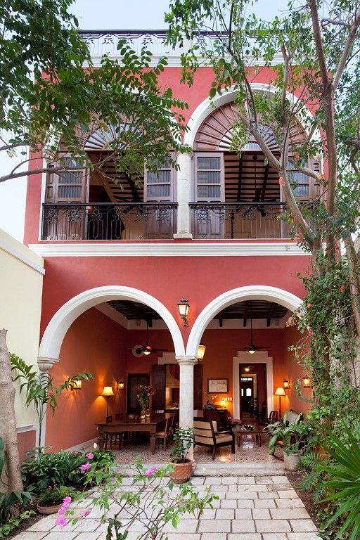 Merida vacation house rental: 3 Bedroom Colonial in Santa