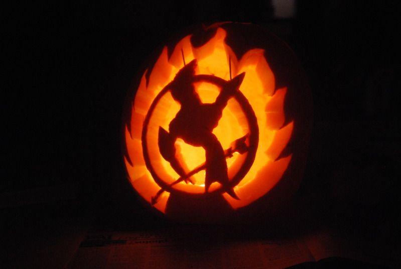 15 Awesome Bookish Jack O Lanterns Pumpkin Carving Amazing Pumpkin Carving Pumpkin