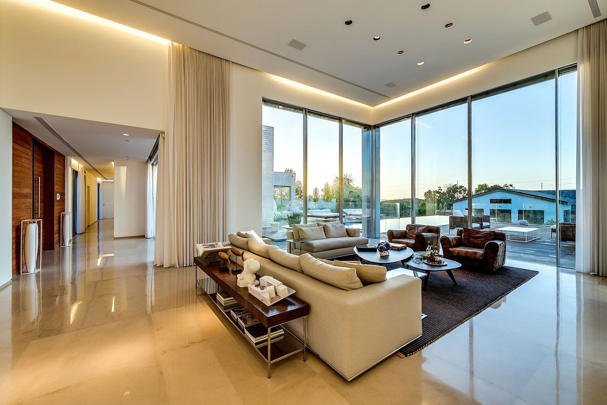 Architecture Extraordinary Modern High Ceiling House Design Ideas For Living Room With Grey Carpet And
