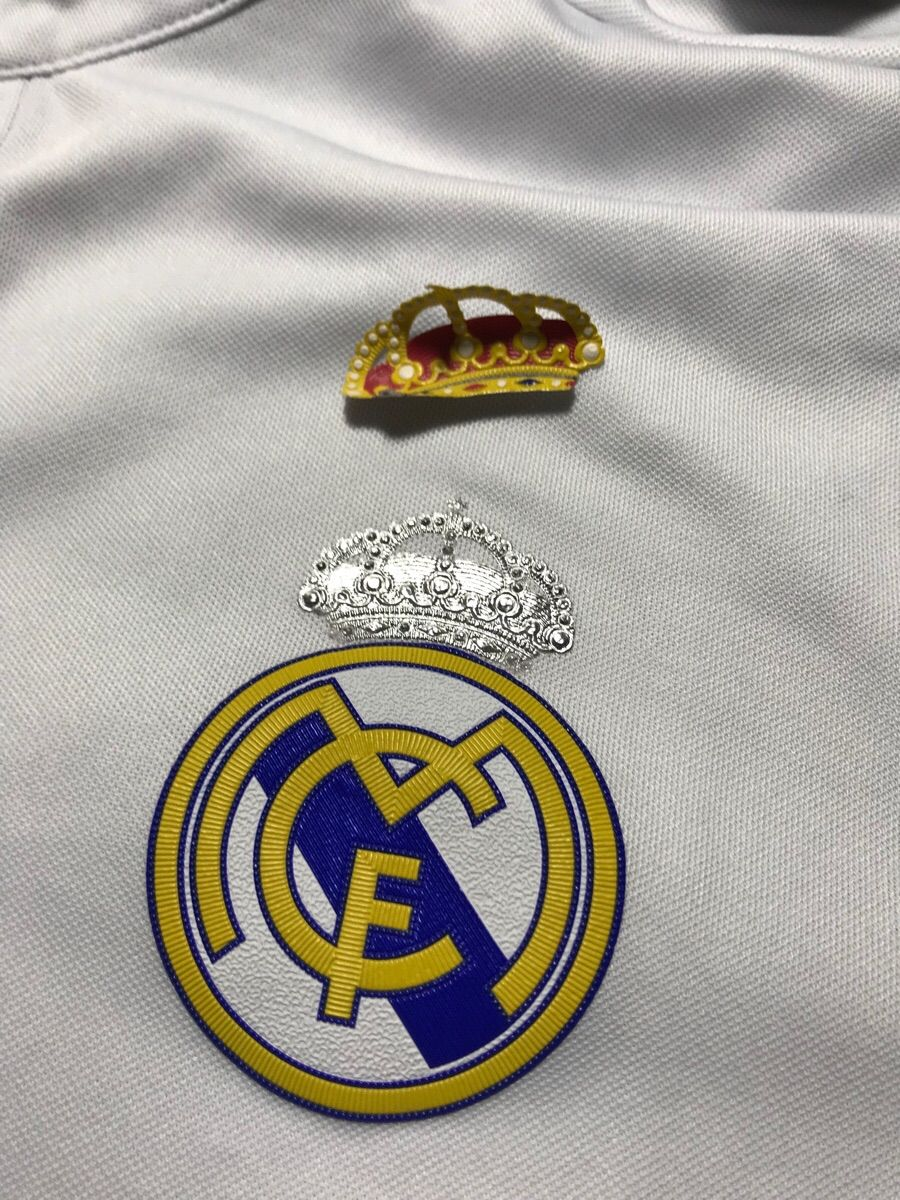 Part Of The Crest On My Real Madrid Shirt Peeled Off To Reveal An Even Cooler Silver Crown Http Ift Tt 2wflvdu Real Madrid Shirt Real Madrid Real Madrid Logo