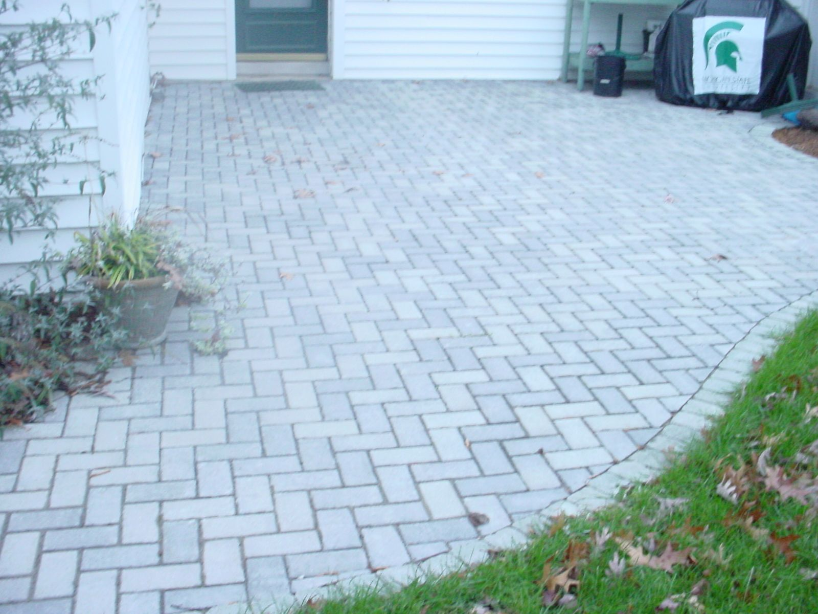 Uni Decor Pavers brick paver unilock hollandstone granite color. | brick pavers