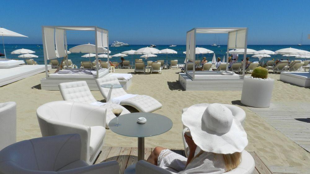 Club Les Palmiers Saint Tropez Table Decorations Decor Home Decor
