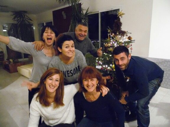 Noël en famille : cadeaux, repas et bonne humeur !