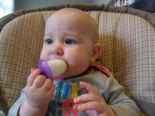 Picolé de leite materno: ótima ideia para aliviar a dor do nascimento dos dentinhos do pequeno!
