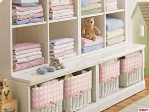 le rangement chambre b b quelques astuces pratiques chambres b b le chambre et pratique. Black Bedroom Furniture Sets. Home Design Ideas