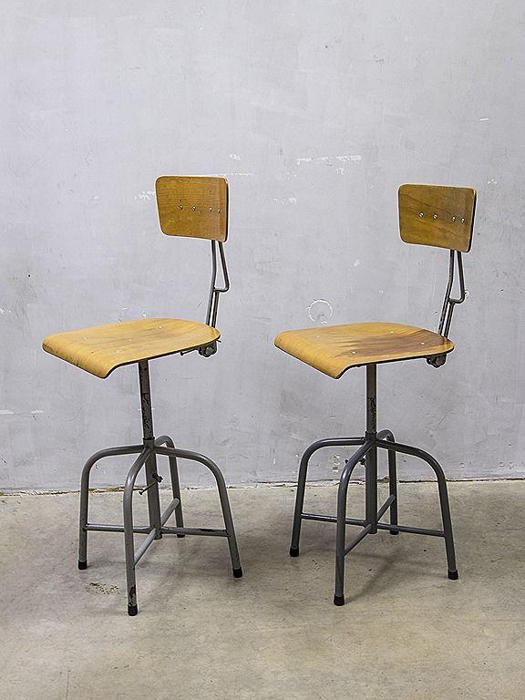 Industri le vintage krukken barkruk bozo stool bauhaus for Bauhaus design stoelen