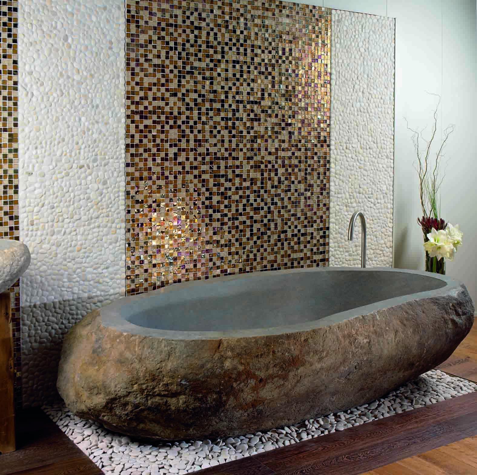 baignoire en pierre naturelle donner du caract re votre. Black Bedroom Furniture Sets. Home Design Ideas