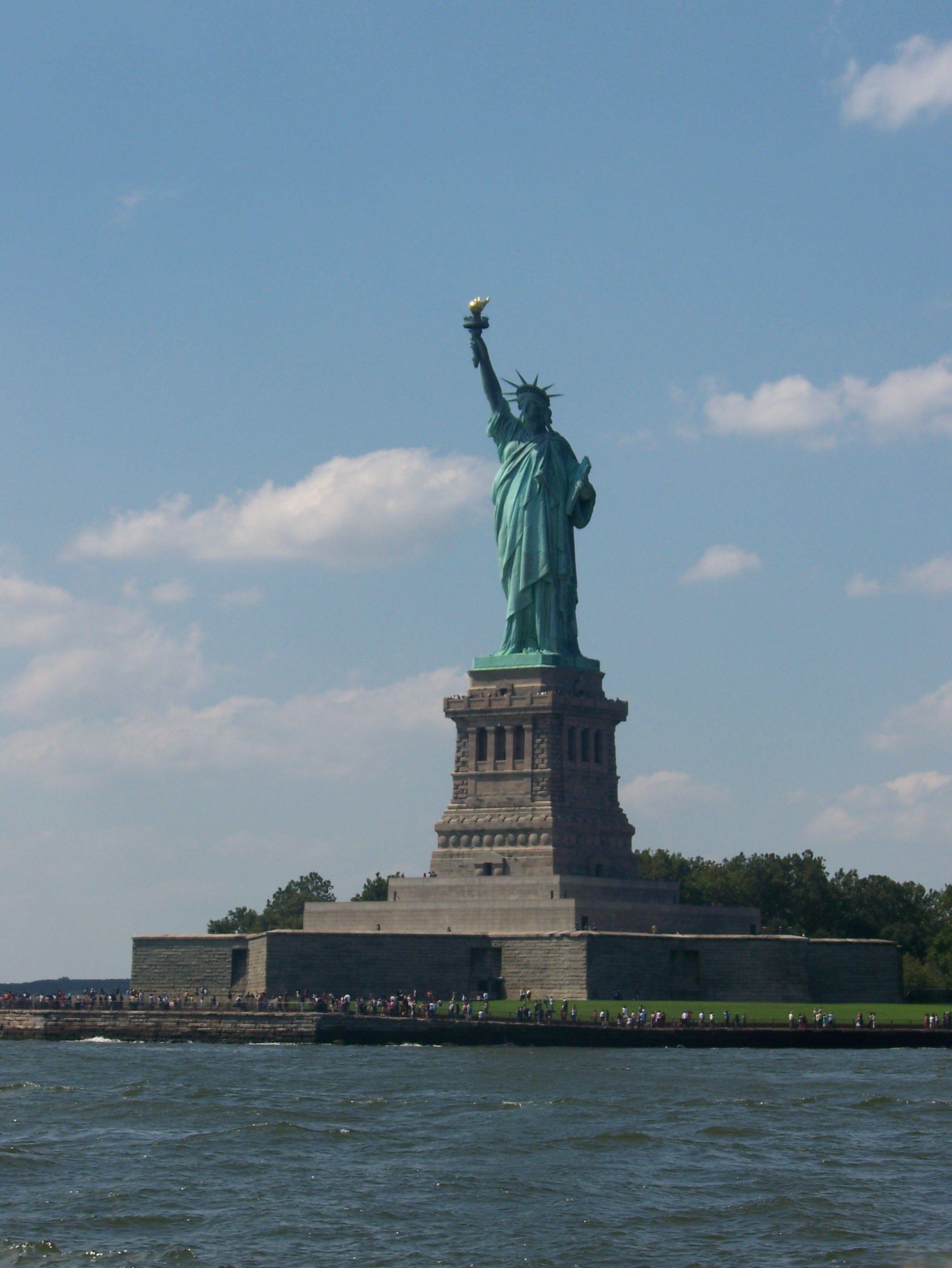 Lady liberty photo by vicente carlo philadelphia tours