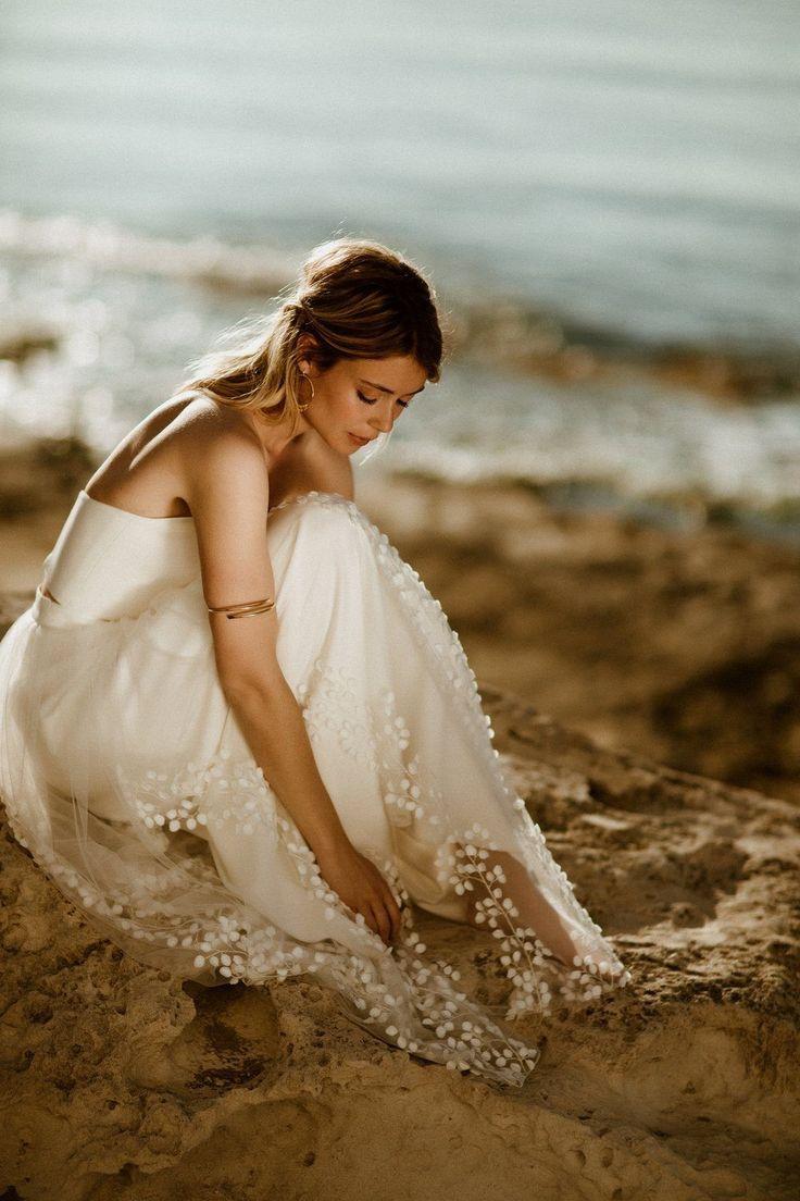 Abnehmbarer Braut Uberrock Mit 3d Blatter Tull Lillith Mit Bildern Kleid Hochzeit Brautkleid Zubehor Wedding Boho