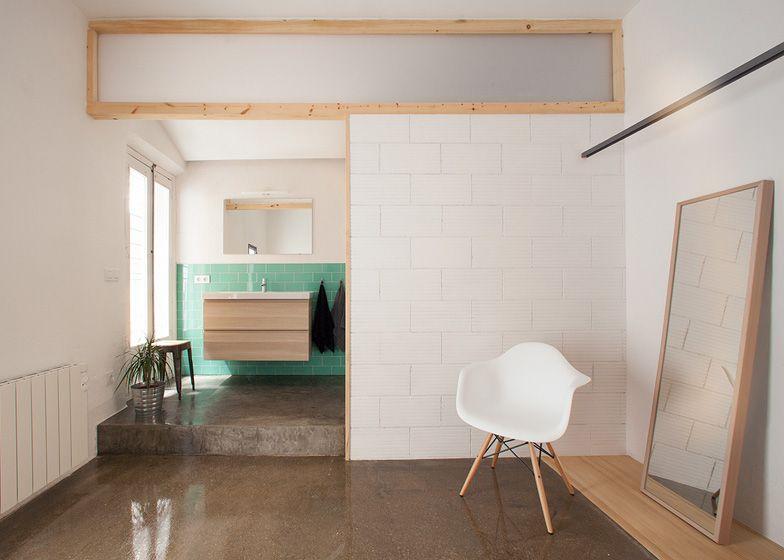 paroi vitr e horizontale en haut d 39 une cloison pour. Black Bedroom Furniture Sets. Home Design Ideas