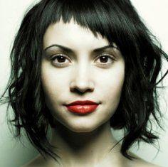 ideal hair cut, bangs wave, so perfect!