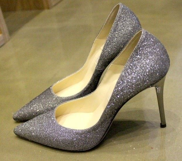Leather pointed high-heeled shoes
