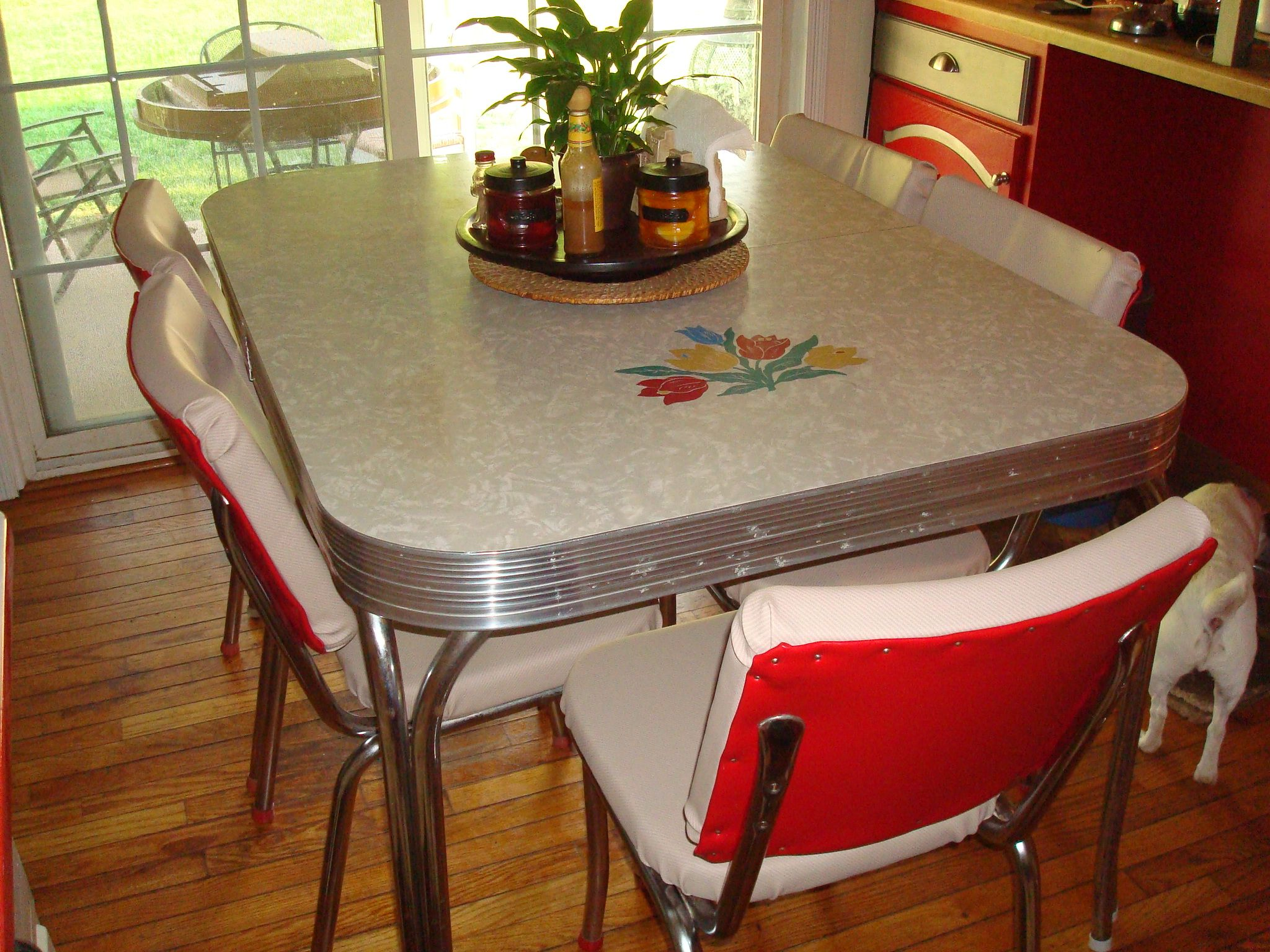 Retro Kitchen Tables Metal For Chairs