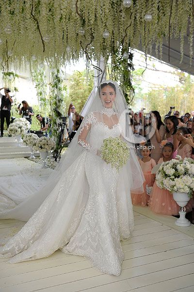 Designer Wedding Dresses - Designer Wedding Gowns | Faviana