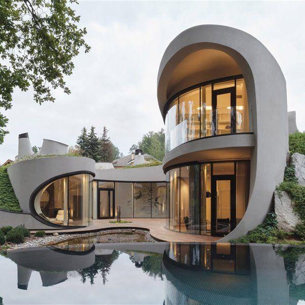 Esta casa en la colina te recordará mucho a la de unos famosos dibujos animados…