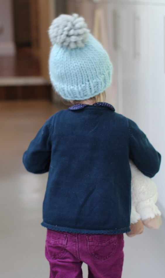 free beginners hat knitting pattern uses straight knitting ...