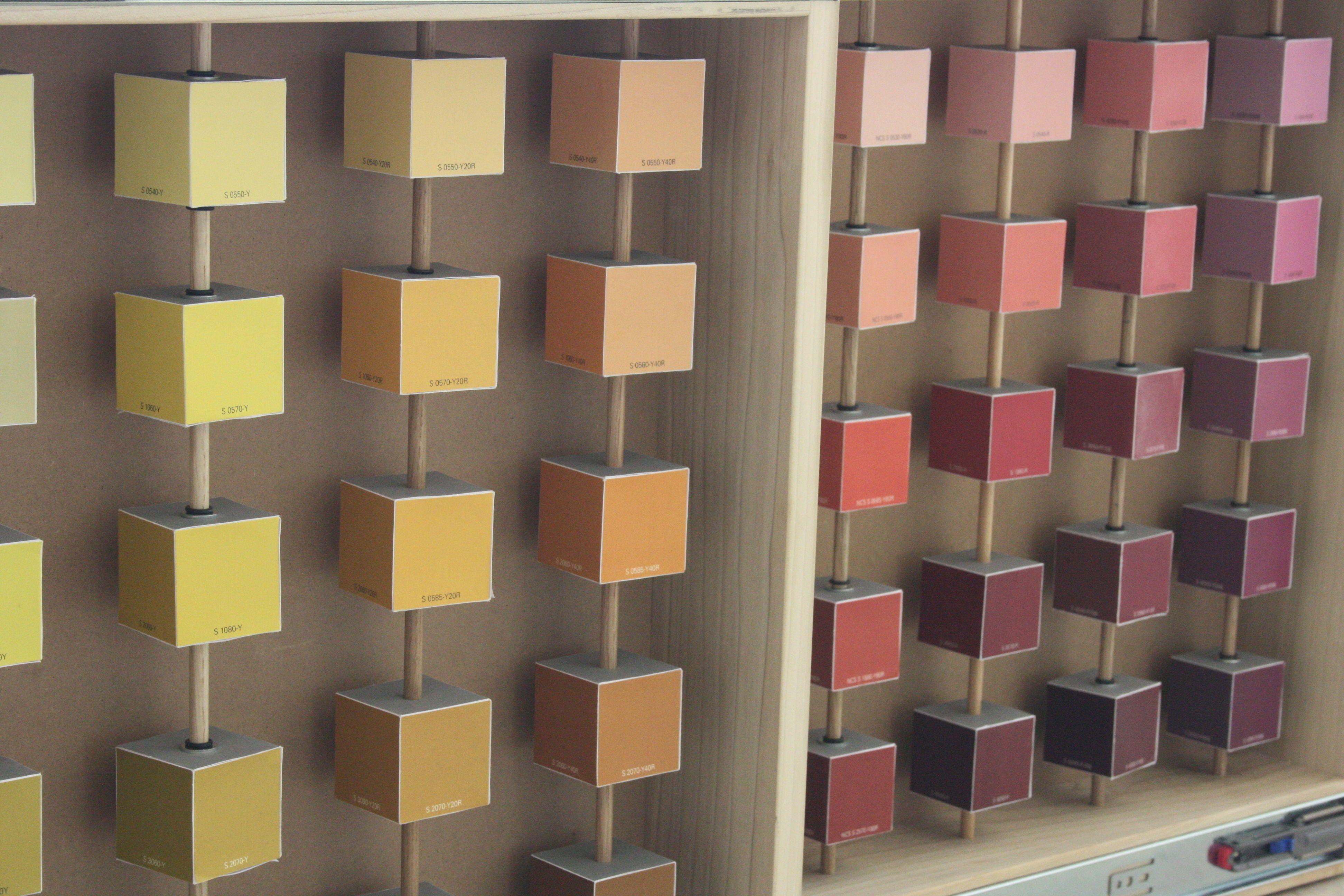 Parete Di Legno Cruciverba : Modello interno: cubetti colorati. la rosa covema cubik florio