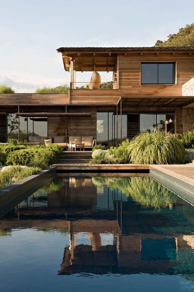 Ambiance zen pour cette piscine effet miroir Archi ✚ Pinterest - location maison cap d agde avec piscine