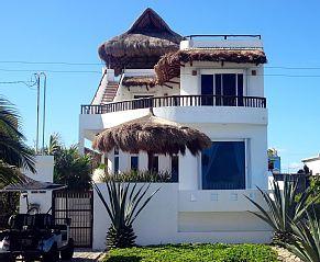 This Was On Beachfront Bargain Hunt Looooove Isla House Al Casa Paraiso Custom Oceanfront Home Private Pool Homeaway