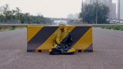 De subtiele kritiek van onzichtbaarheidskunstenaar Liu Bolin