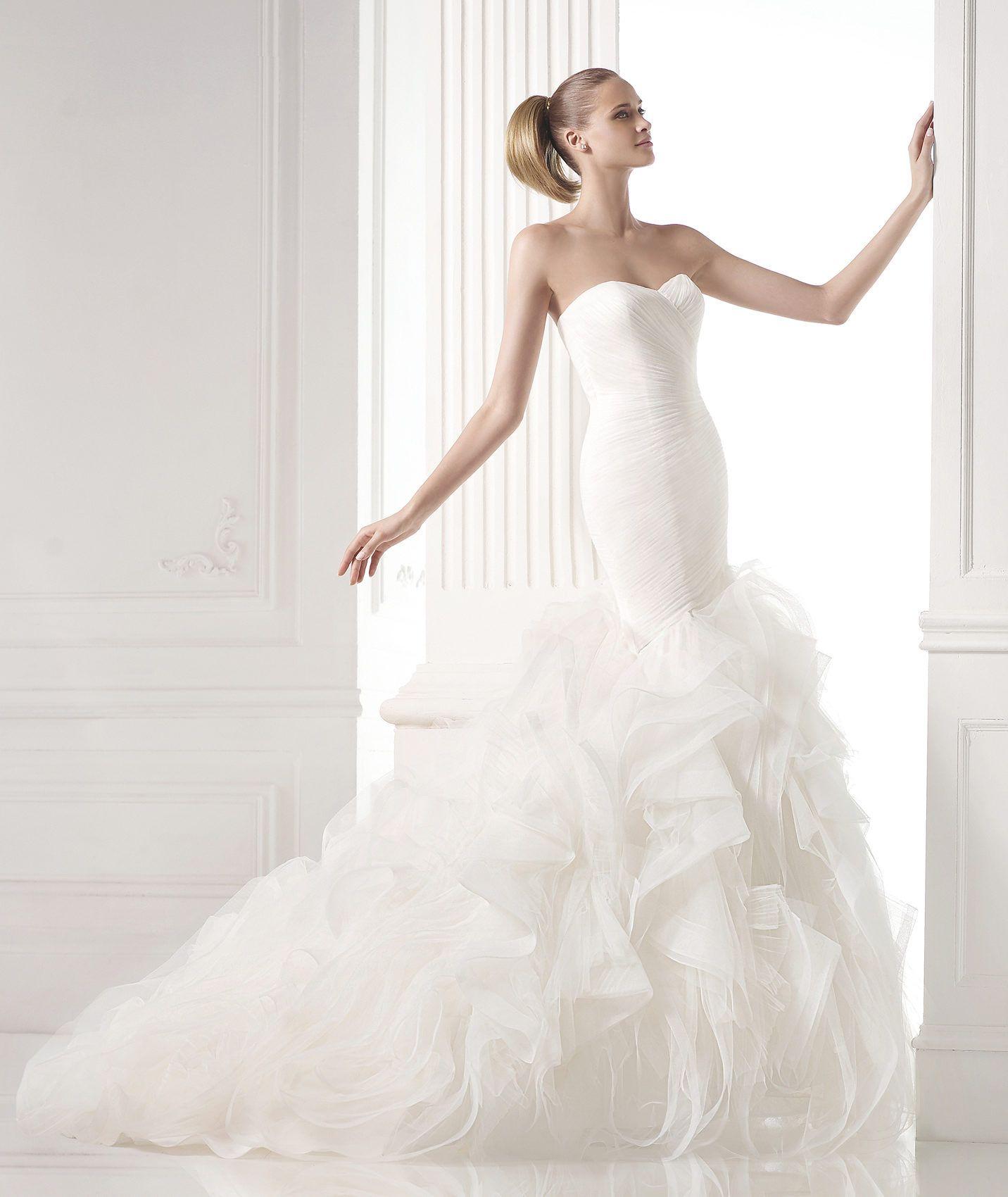 Mildred esküvői ruha - Pronovias 2015 kollekciók - Esküvői ruha szalon -  Menyasszonyi ruha kölcsönzés  30ac6bf3e8