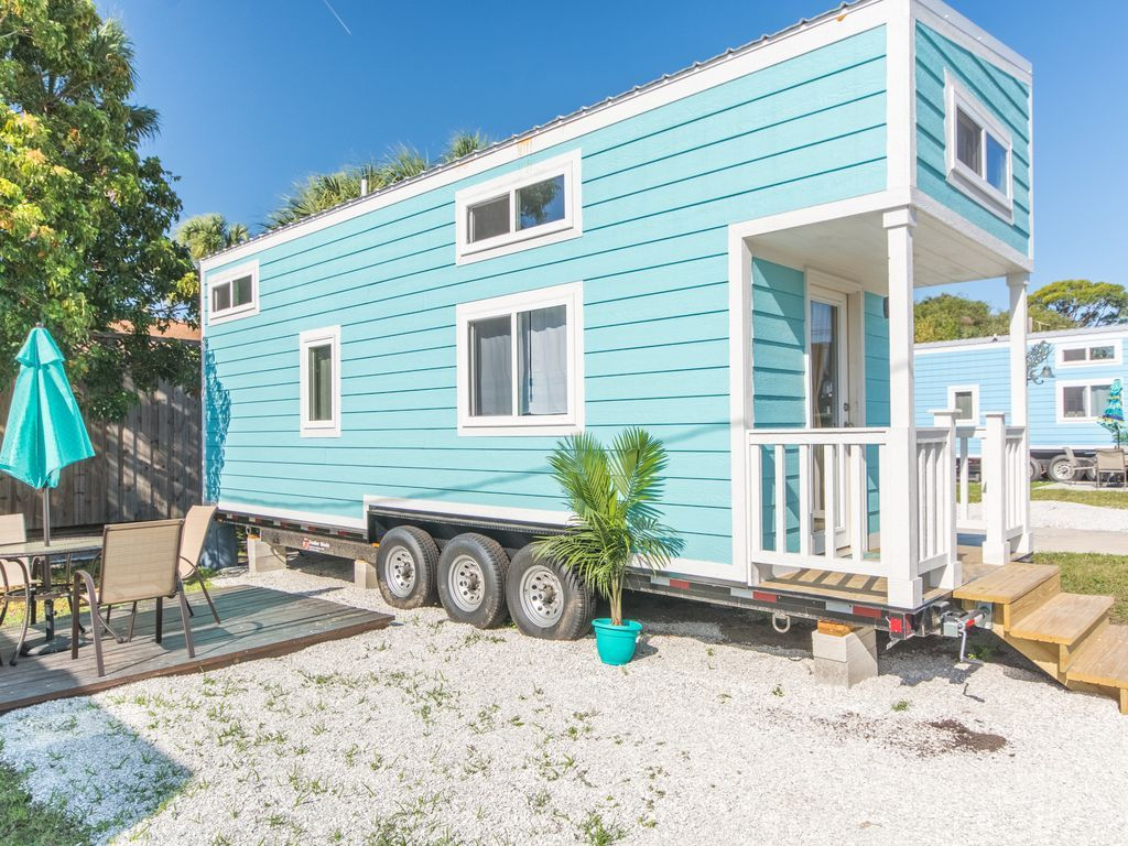 Awesome Beach House Rental Siesta Key Part - 12: Tiny Aqua Oasis Home Near The Siesta Key Beach