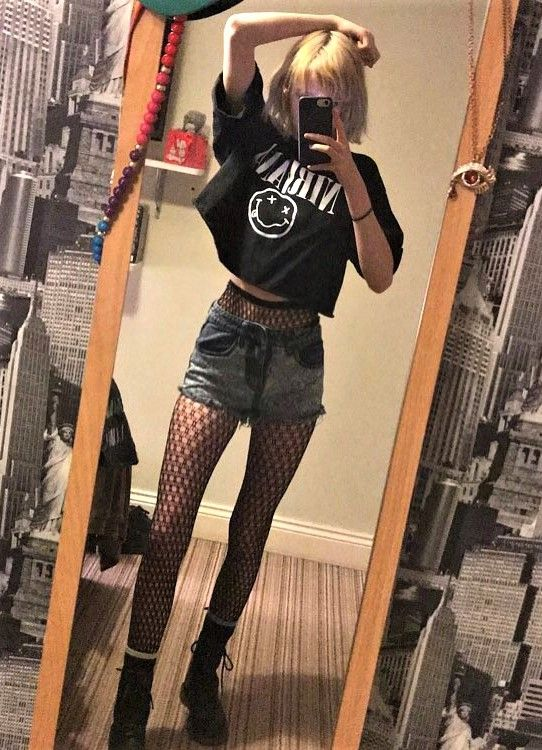41 Grunge Outfit Ideas for this Spring | Nirvana band Fishnet stockings and Combat boot