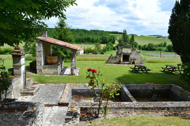 Les Collinauds Chambres D Hotes A Lignieres Sonneville Location Gite Gite De France